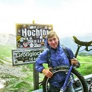Gerald Rosenkranz mit seinem Einrad am Berg